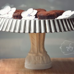 {DIY cake stand} from {nifty thrifty things}